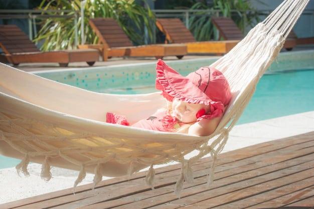 Comment choisir son mobilier de piscine ?