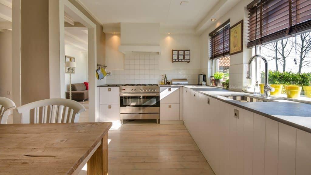 Pourquoi opter pour une cuisine équipée sur-mesure ?